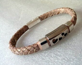 Regaliz leather bracelet with ceramics and elements with closure in Zamak. A040