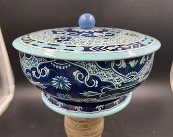 1970s Daher Design Pedestal Metal Tin, Blue Paisley'ish Floral, Made in England,