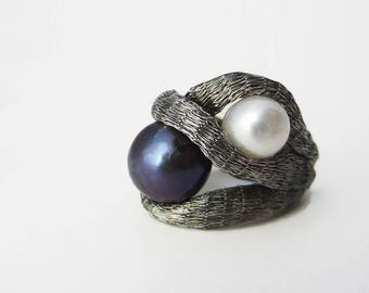 YOU AND ME ring, Statement ring, Pearl ring, contemporary jewelry, gifts for her, anello perla, anillo perla
