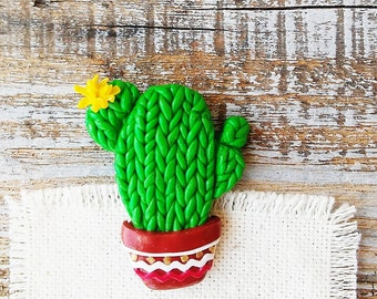 Cactus brooch, Cacti brooch, Green Cactus Pin, Flower Cactus tiny Brooch, Green Brooch for cactus lover, Nature Botanical Jewelry Pins 3 cm