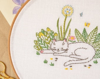 Kitty Embroidery pattern PDF • Cat embroidery design • Instant download • Floral embroidery • Dandelion embroidery • NaiveNeedle