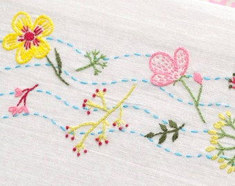 Floral embroidery pattern, Hand embroidery pattern, PDF Insant download, flower stream, Embroidery designs by NaiveNeedle