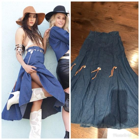 Vintage 70s Western wear Cowgirl skirt Concho Deta