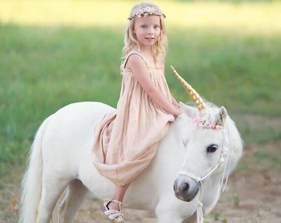 Unicorn horn flowers for horse