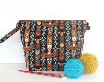 Totem Pole Knitting Project Bag, Zipper wedge shawl, medium tote, yarn storage bag, Christmas gift for knitter