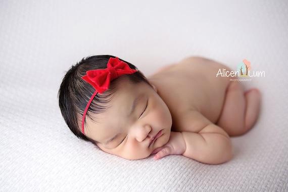 bandeau noeud rouge bandeau pour nouveau n arc bandeaux etsy. Black Bedroom Furniture Sets. Home Design Ideas
