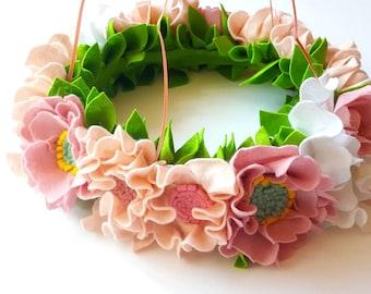 Felt Flower baby mobile, floral baby mobile, felt wreath, nursery decor, flower chandelier, nursery decor, felt flower mobile pink nursery