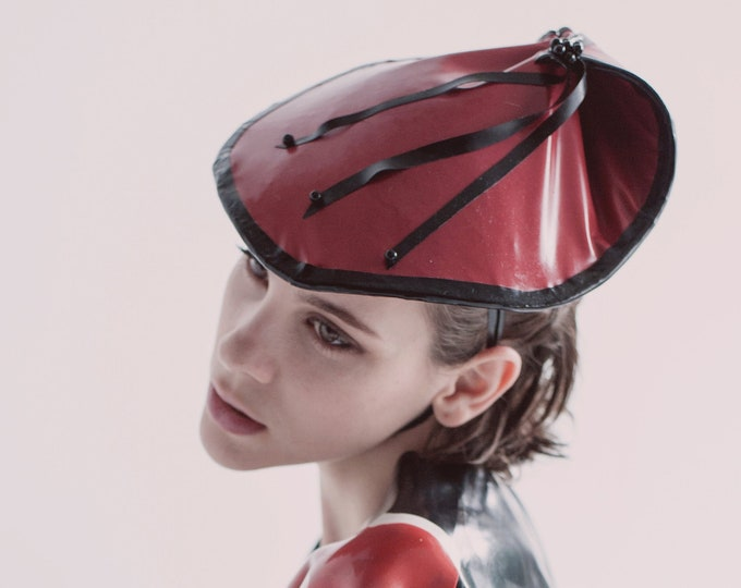 Latex Hat 'Emily'