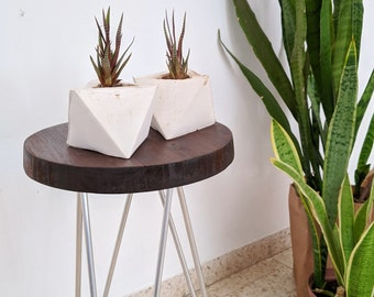 Geometric wire Accent Table Reclaimed wood