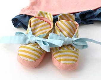 Reversible Baby Booties PDF Sewing Pattern & Tutorial, babies, Baby shower, shoes, soft bootie