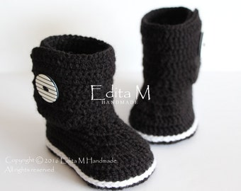 Crochet baby booties, unisex baby booties, baby shoes, baby boots, black, striped, buttons, gift for baby, baby shower, 0-3, 3-6, 6-9 months