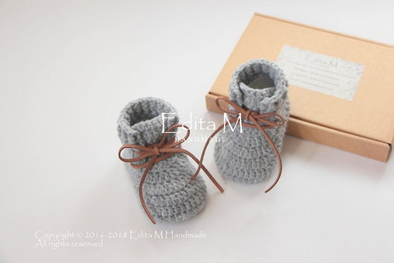 Unisex baby booties crochet baby shoes