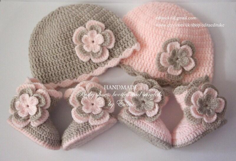 Jeu de bébé en jumeaux, crochet pour les jumeaux, en bébé, chapeau bébé, bonnet, chaussures, bottes, couleur pêche pastel rose, beige, 0-3, 3-6 mois, cadeau de shower de bébé d2e74b
