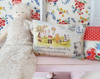 Winnie the Pooh Illustration Quotes Fabric Gift Pillow