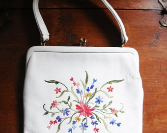 Vintage INGBER Embroidered White Leather Handbag with Attached Chainge Purse