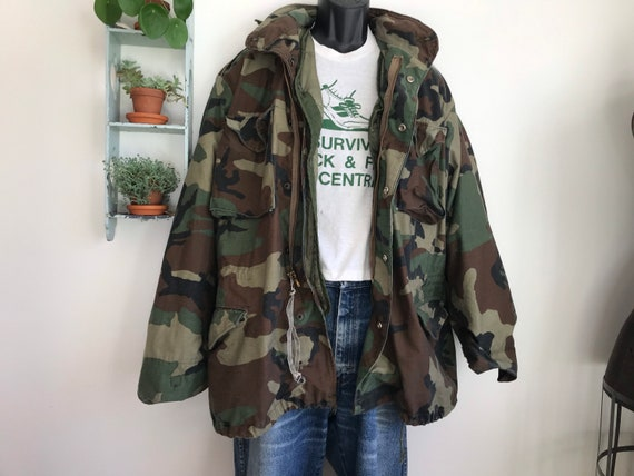 Vintage large camo US army coat with quilted liner