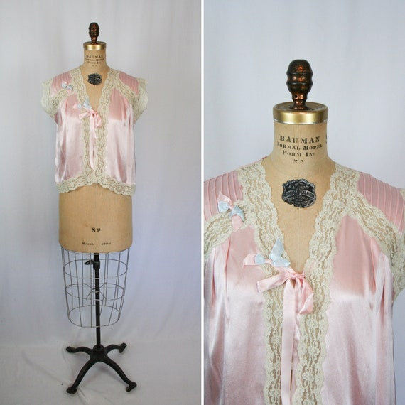 Vintage 40s bed jacket | Vintage pink satin lace b