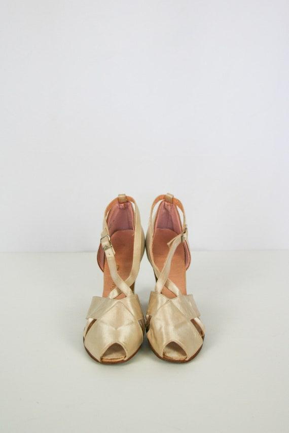 Vintage 30s shoes | Vintage ivory satin peep toes