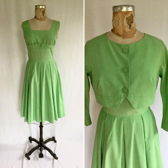 50s dress suit   Vintage grass green cotton fit an