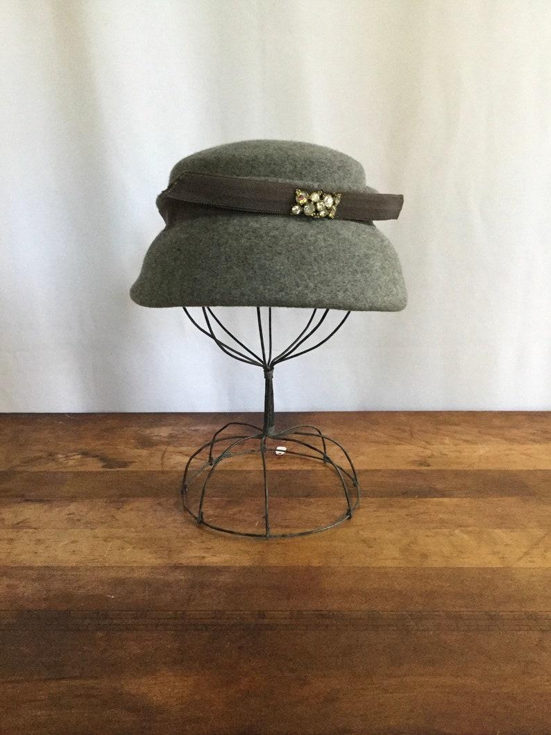 4a4e4c5968b Vintage 50s hat Vintage Valerie Modes grey felt mini hat