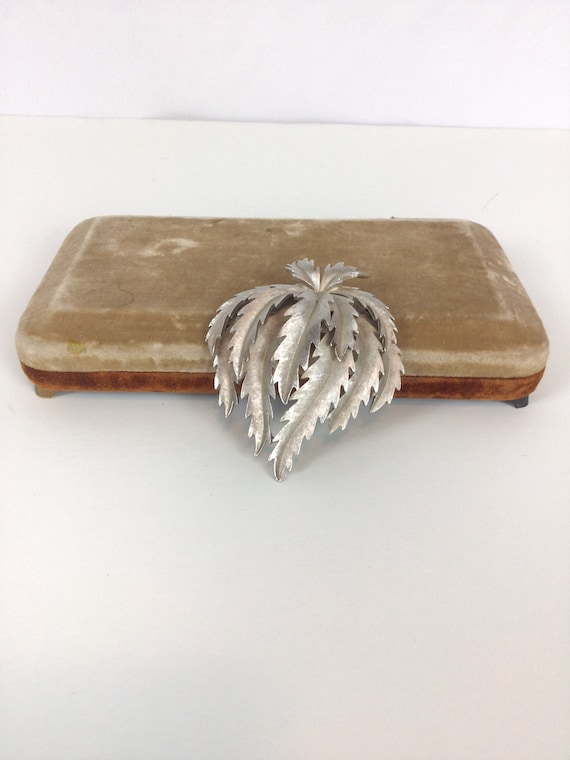 Vintage 50s brooch | Vintage silver toned thistle