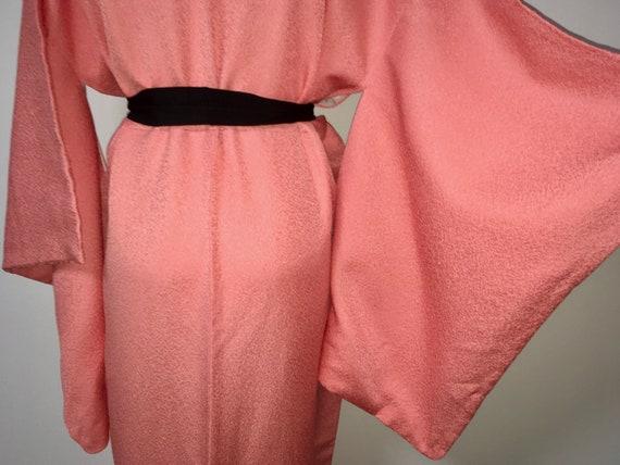 Vintage kimono - Coral pink, Chirimen silk, 80s - image 8