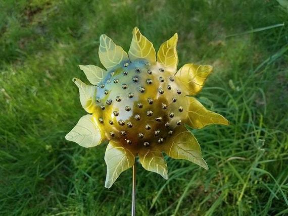 """Sunflower garden stake, outdoor finish, 18"""""""
