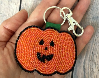 Pumpkin Keychain, Hand Beaded Jack O Lantern Key Ring Fob, Backpack Charm, Fall Autumn Gift for Him or Her, Sparkly Beads, Halloween Fan