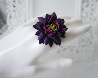 Multicolor - violet-magenta-green leather Chrysanthemum flower ring