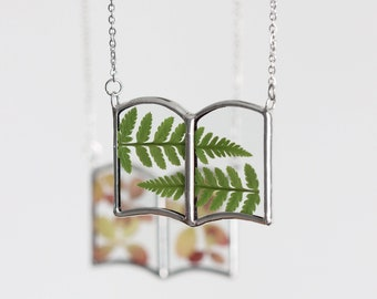 Pressed fern / flower book necklace. Magical spell mini book jewelry. Gifts for book lovers. Witch book
