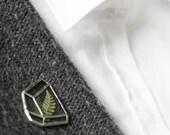 Terrarium brooch   . Terrarium pin. Pressed flower brooch. Botanical brooch. Contemporary jewelry. Minimalist brooch. Terrarium plant pin
