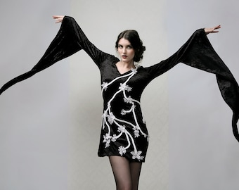 Flowers & Thorns - Ultra Long Sleeved Dress