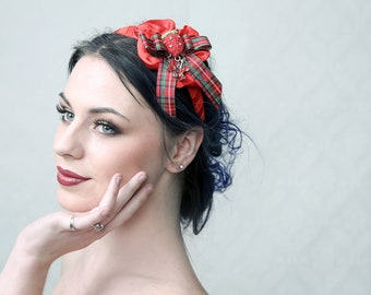 SCOTTISH - Fascinator Headband for Prom Night, Ascot, Burlesque Parties, Beach party, dressing up etc