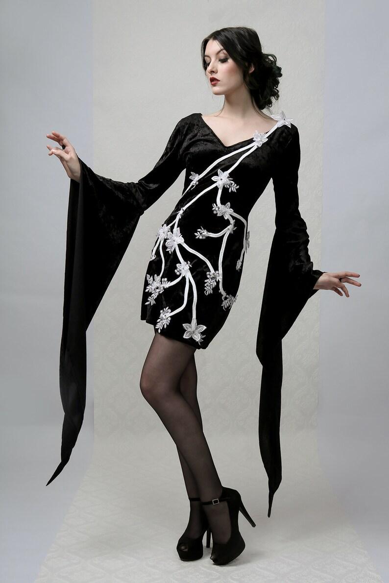 Flowers /& Thorns Ultra Long Sleeved Dress