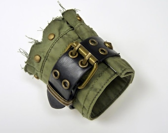 Men's Wristband 'BLACKFIELD' - Army green cotton wristband with leather belt & Bronze studs