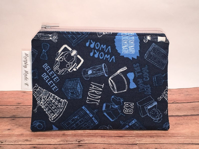 coin pouch small zipper pouch change purse Dr Who fabric coin purse passport holder Doctor Who Fabric Whovian gift gadget case