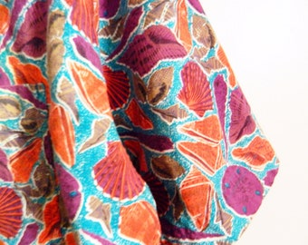 80s Vintage Seashell Shirt / Boxy Cotton Novelty Blouse / Summer Beach Shell Button Down