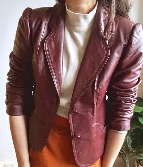 Burgundy Leather Vintage Jacket / 70s Fitted Leath