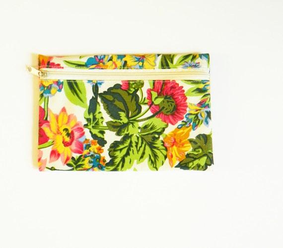 Statement Floral Vintage Zipper Pouch / Retro Floral Clutch / Boho Zippered Cosmetic Bag / Vintage Floral Travel Bag