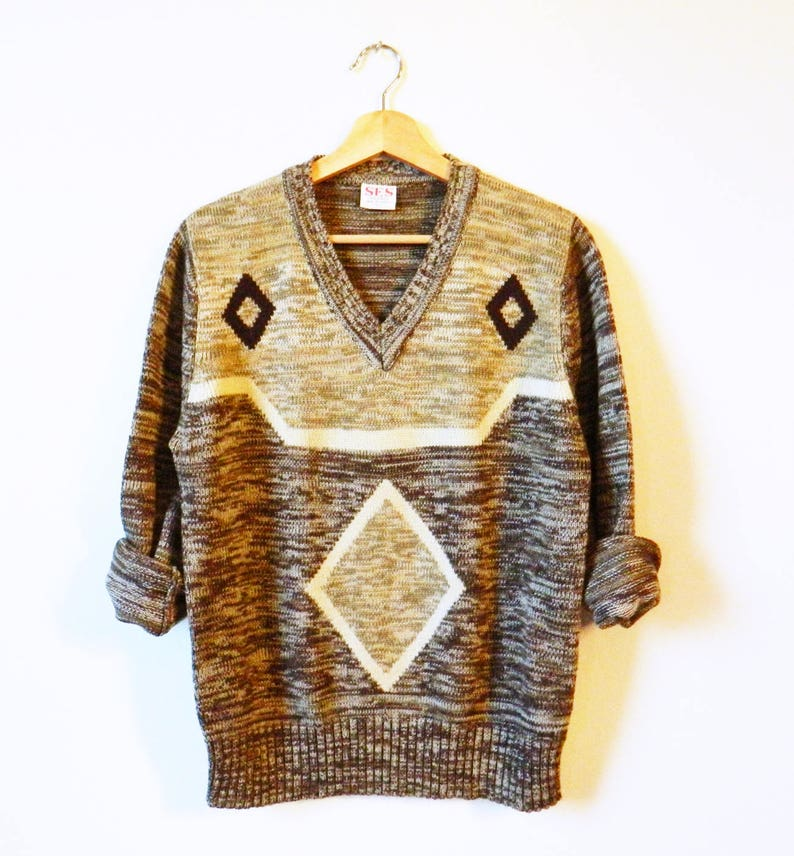 Diamond Knit Pullover Sweater  70s Aztec V-Neck Sweater  Vintage Diamond Sweater