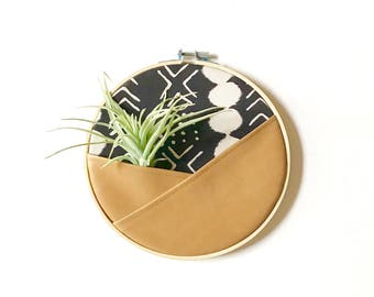 THE HOOPLA, SMALL, Air Plant Holder, Wall Organizer, Leather Pocket, Air Plant hanger, Marker Holder, Fabric Hoop, Hoop Pocket, Wall Pouch