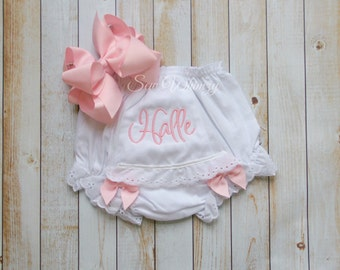 Monogrammed Bloomers diaper cover- Bloomers- Girl Bloomers- Custom Bloomers- Baby Girl bloomers- Baby shower Gift- Embroidered bloomers