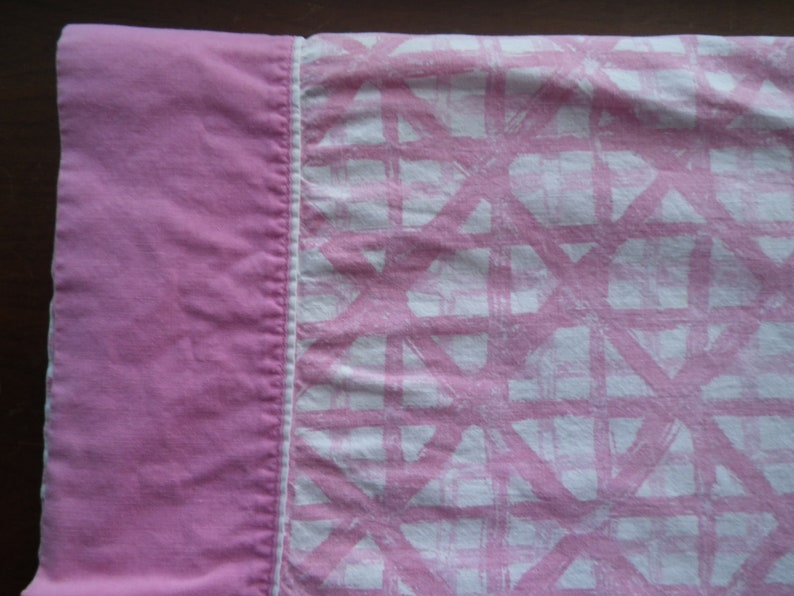 Dan River Flat Bed Sheet Double Size Vintage Full Muslin Pink Trellis Pattern Bedding Linens Fabric Sewing Crafting Percale Girl/'s Room Girl