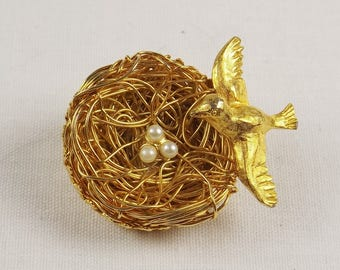 JEANNE Bird on Nest Brooch