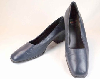 379e20b12f9b2 AEROSOLES Navy Blue Pumps US Size 9B 9M