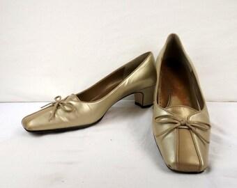 3874ed5238564 Narrow width shoe   Etsy