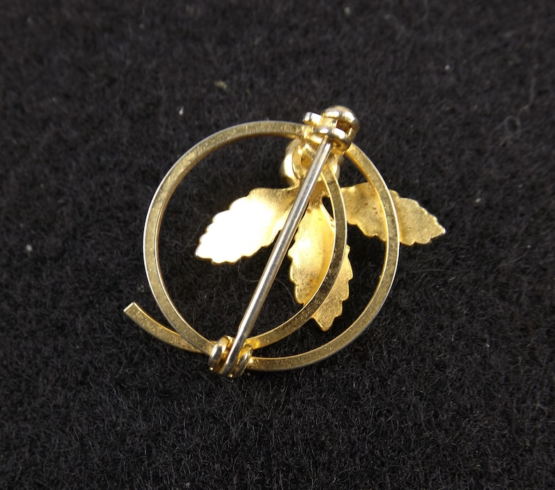 Small Vintage Circle Brooch with Three Leaves and Single Pearl