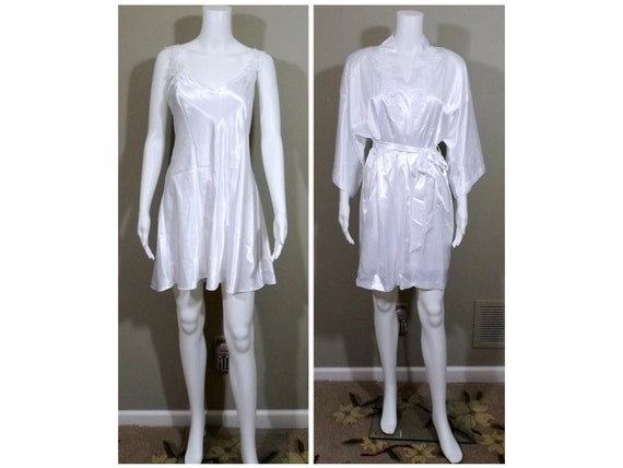 CALIFORNIA DYNASTY Peignoir in White Size Large L