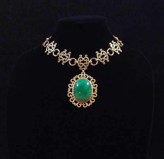 NETTIE ROSENSTEIN Pendant Necklace