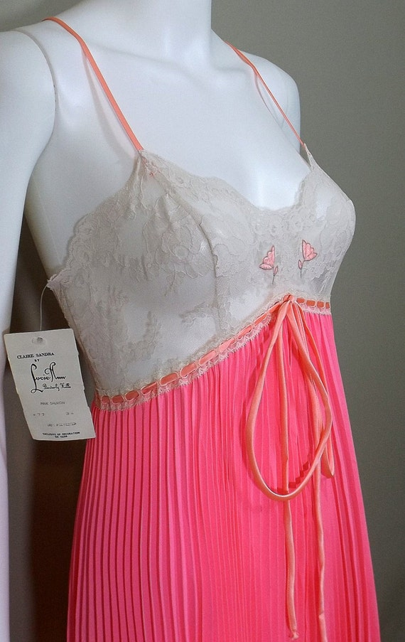 Claire Sandra by LUCIE ANN Salmon Pink Accordion … - image 4